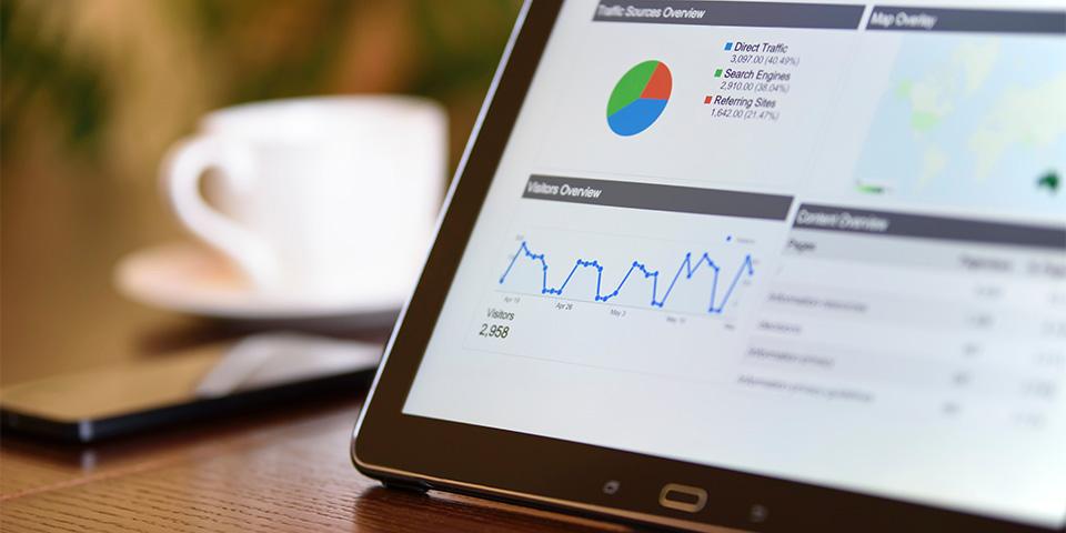 analyst-analytics-blur-106344-kopieren