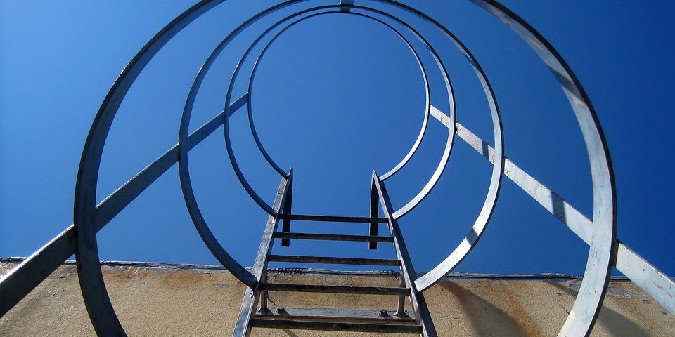 metal-stairs-1731677_960_720